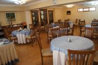 オマルハイヤーム レストラン1