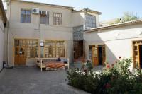 ファティマ&イブラヒム 中庭2