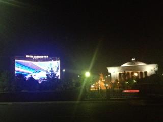 夜のウズベキスタンホテル