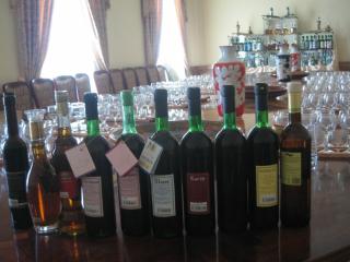 甘口のサマルカンドワインも有名です